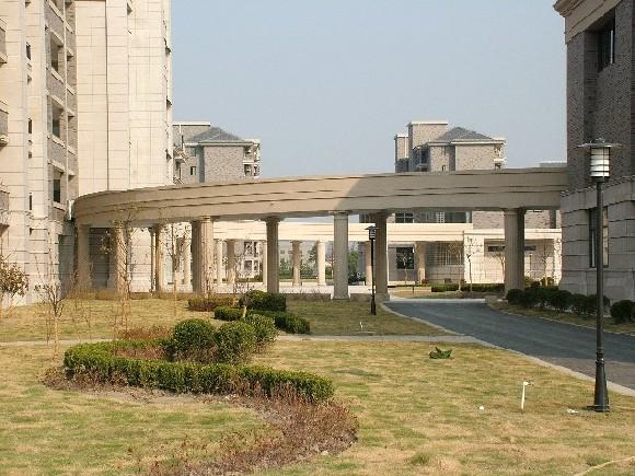 上海市金山中学