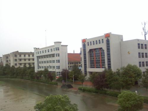武汉市新洲区城关高级中学